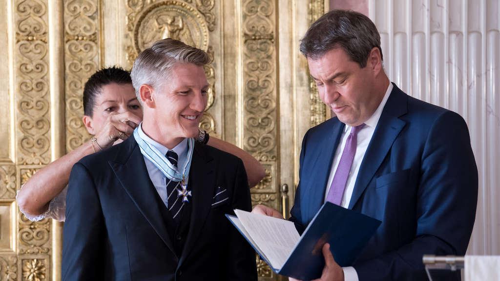表彰贡献, 巴伐利亚州授予施魏因斯泰格荣誉奖章