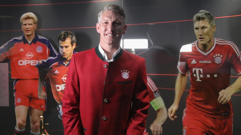 兴奋他又高兴起来在马凯小猪看曼联时很受伤