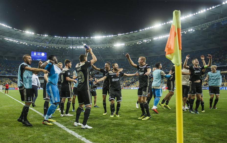胜利进入小组赛开欧冠年夜幕行将拉已29支球队今朝