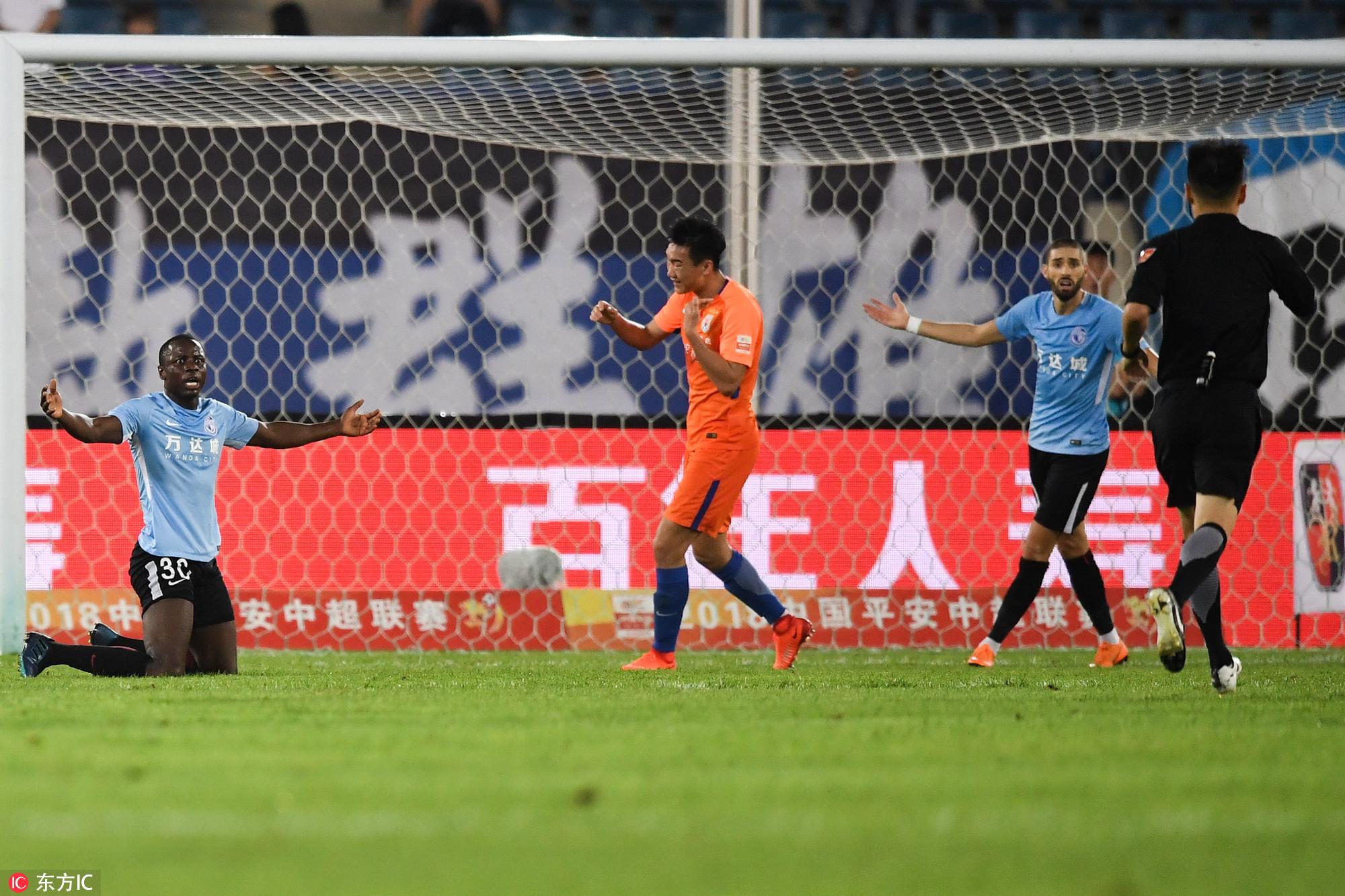 刘军帅微博质疑穆谢奎:自觉不是点球为什么不去踢飞