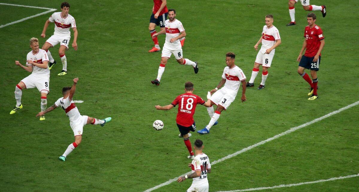 GIF:戈雷茨卡禁区前停球,推射视点刁钻打破僵局