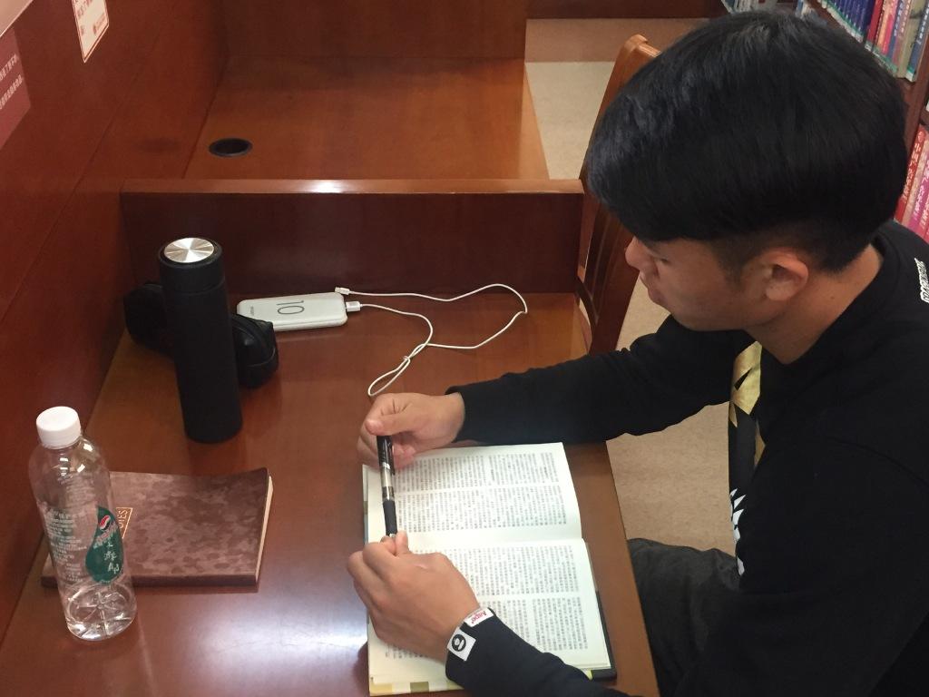 返学啦!富力学霸蔡浩健现身华南理工,继续攻读硕士