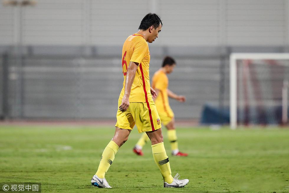 冯潇霆:球队整体表现不如12强赛,接受球迷的指责