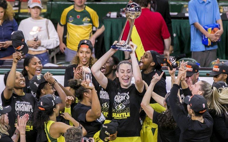 WNBA风暴队夺冠, 科比、库兹马发推祝贺