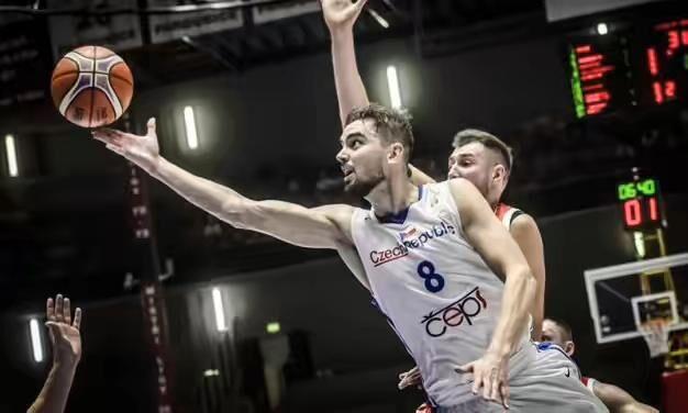 FIBA世界杯欧洲区预选赛战况:巴图姆17分无力救主