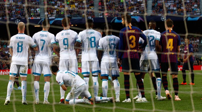 范博梅尔:梅西任意球很难防,所以我们排出了特殊的人墙