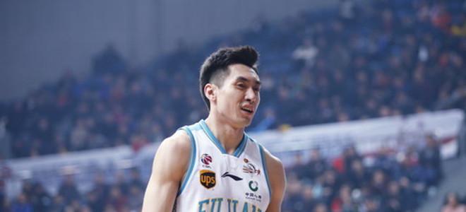 福建队热身赛击败美国联队,赵泰隆鼻子意外受伤
