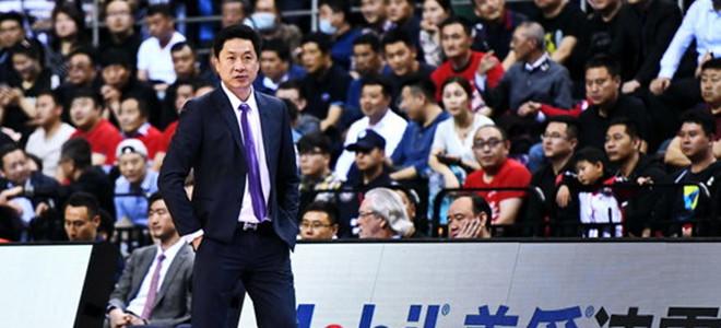 李春江获上赛季优秀教练奖,刘铮获最佳新人奖