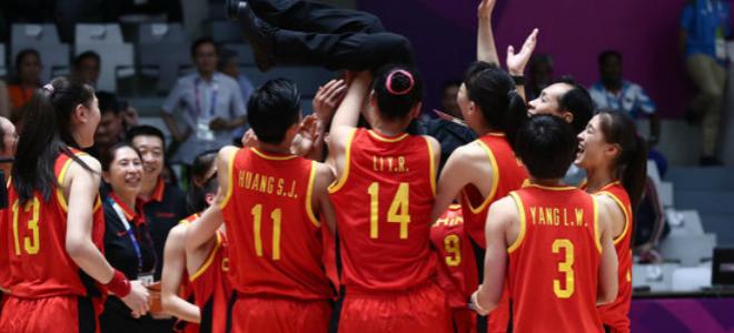 女篮队员谈许利民:他是个场上严格场下可爱的教练