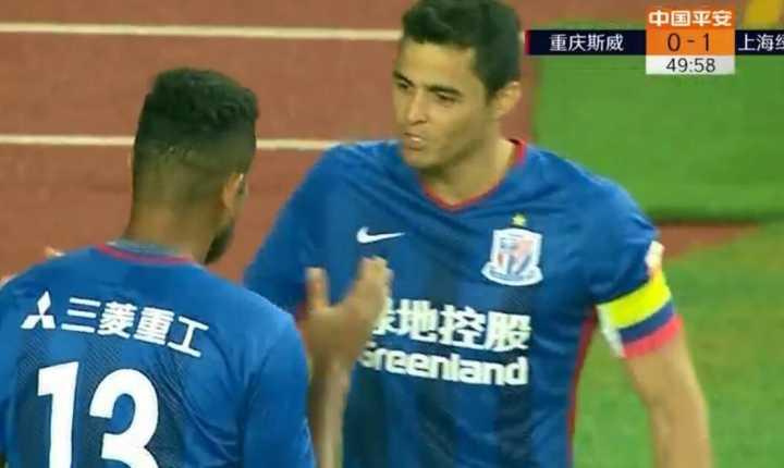 GIF:刘乐送点,瓜林亲自主罚命中,重庆0-1申花