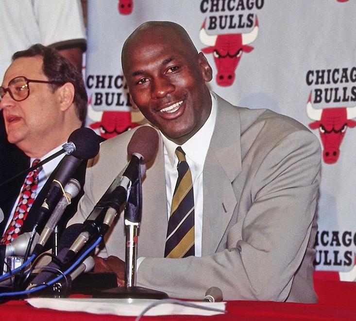 历史上的今天:乔丹第一次宣布自己从 NBA退役
