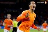GIF:范戴克补射建功,荷兰取得领先