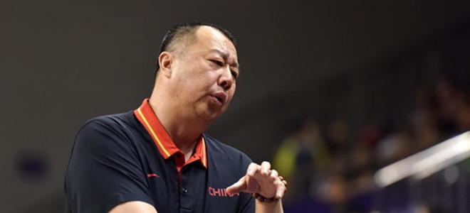 邱贻可. 吴庆龙:古德洛克很努力, 球队目标保八争四