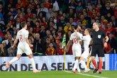 GIF:斯特林梅开二度,英格兰三球领先