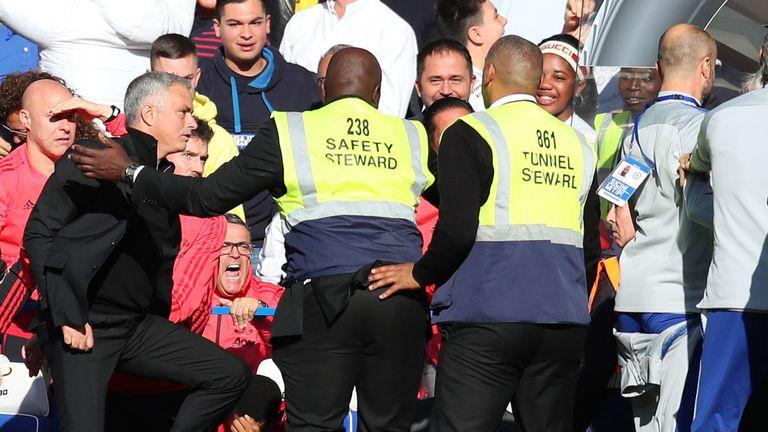 天空体育:英足总或就切尔西和曼联冲突进行处罚