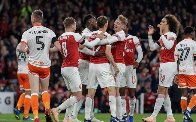 联赛杯:利希施泰纳史密斯-罗破门,阿森纳2-1布莱克浦