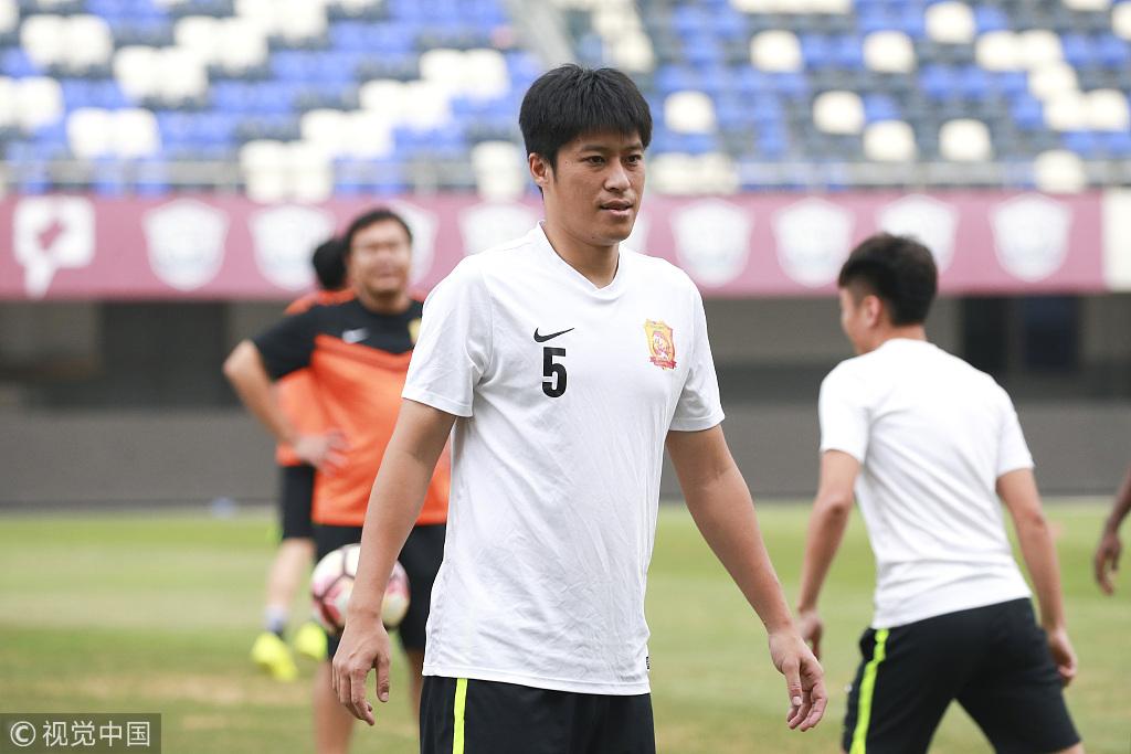 前国脚中卫张耀坤退役,37岁老将结束20年职业生涯