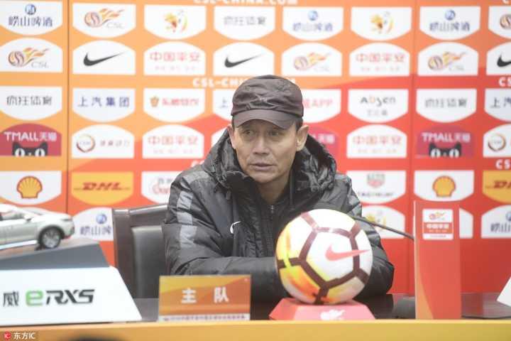 王宝山:完成保级非常高兴,我们在场上是12个人战斗