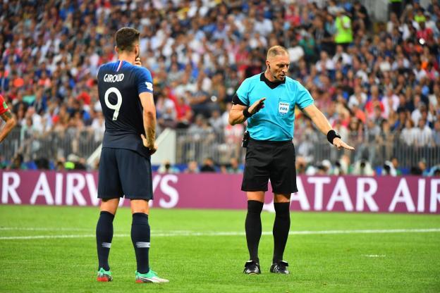 主裁谈世界杯决赛点球:吉鲁和格里兹曼示意有手球
