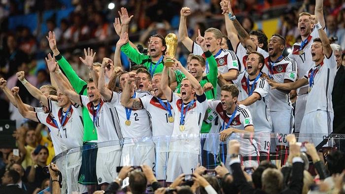35岁, 拜仁和德国队祝福拉姆生日快乐
