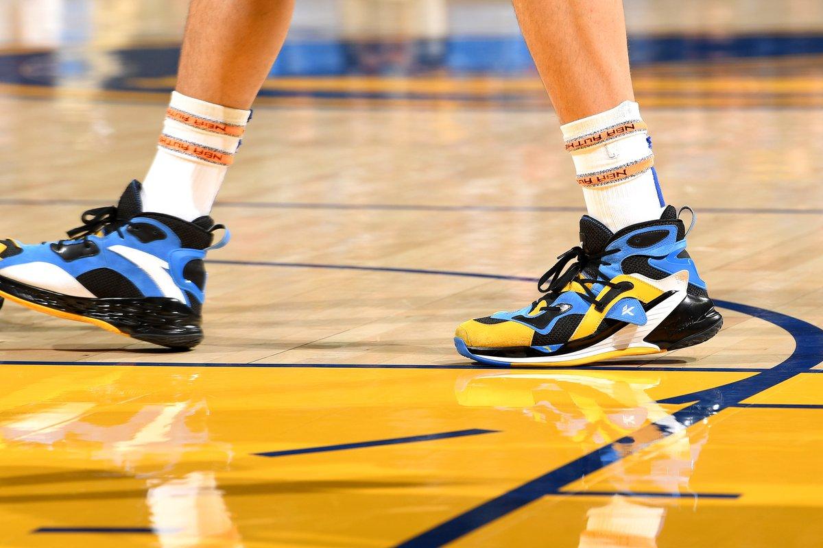 今日上脚球鞋一览:克莱-汤普森首穿新版KT4