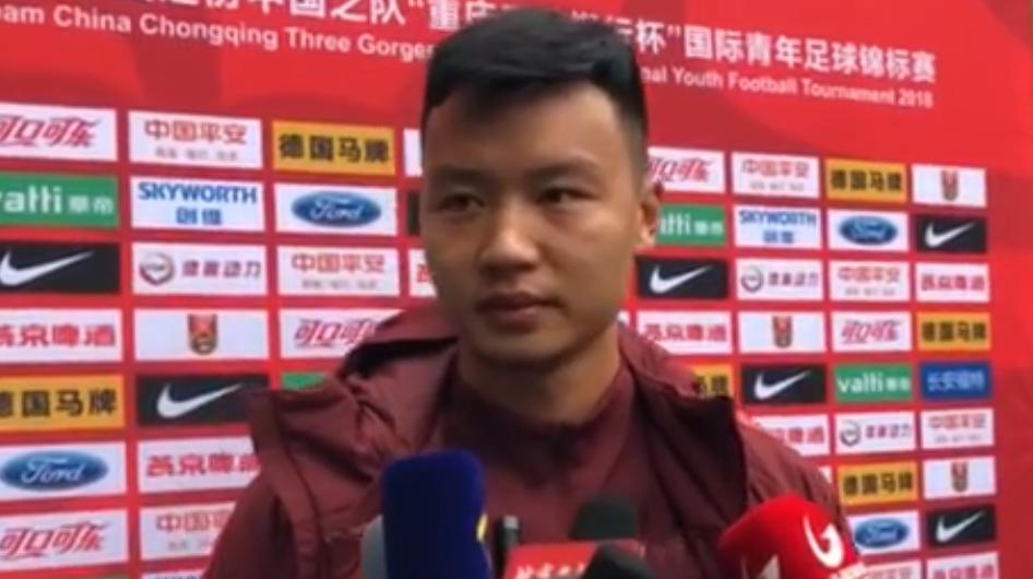 陈威:昨天有次处理球不够果断,郭全博很有能力