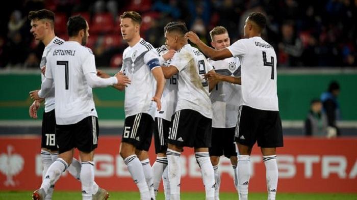 克首秀建功, 德青队 3-  0击败荷兰青年队