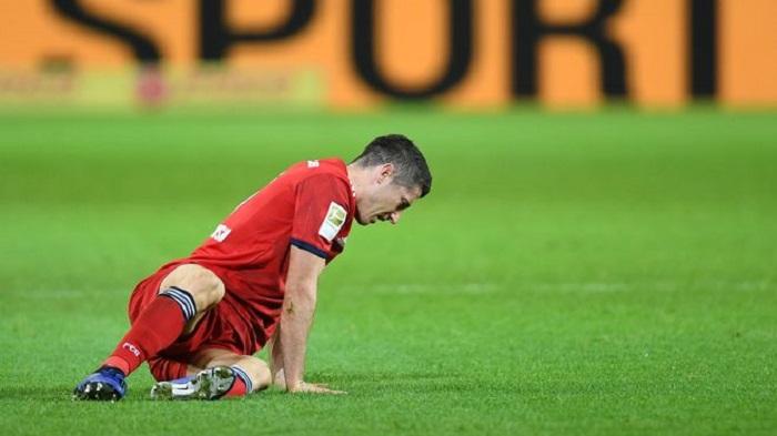 莱万因膝伤提前离开波兰队,将伤缺数天
