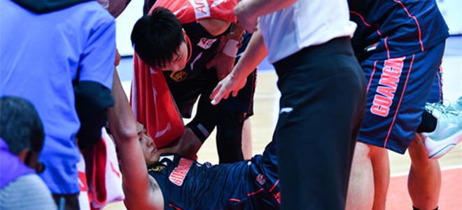 nba本周十佳球. 赵睿:脚踝有伤一直坚持打, 回去之后检查一下