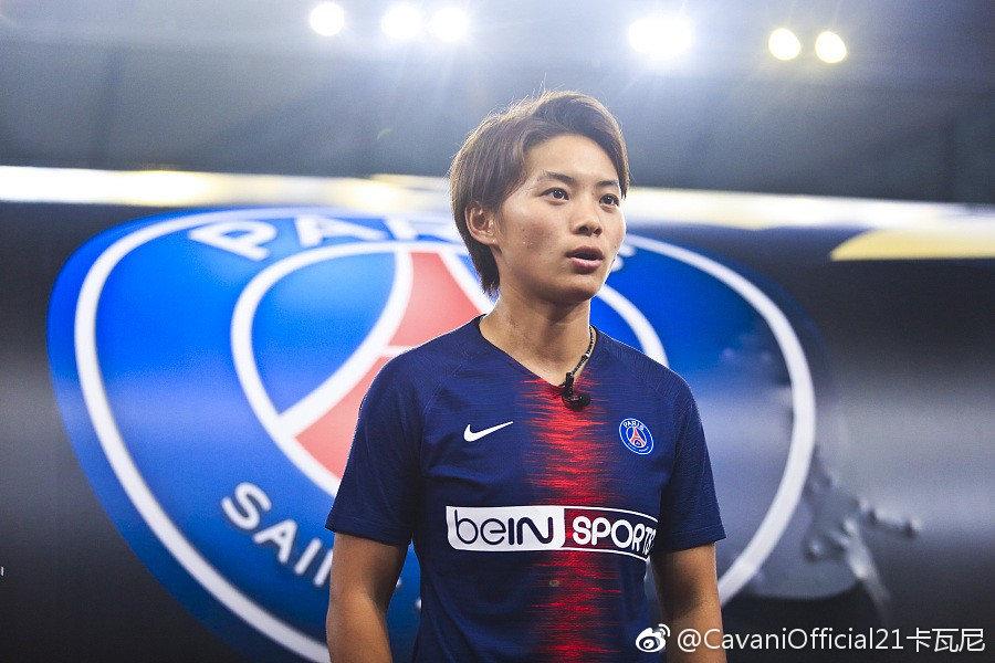 卡瓦尼微博祝贺王霜:恭喜赢得亚洲足球小姐,一起加油