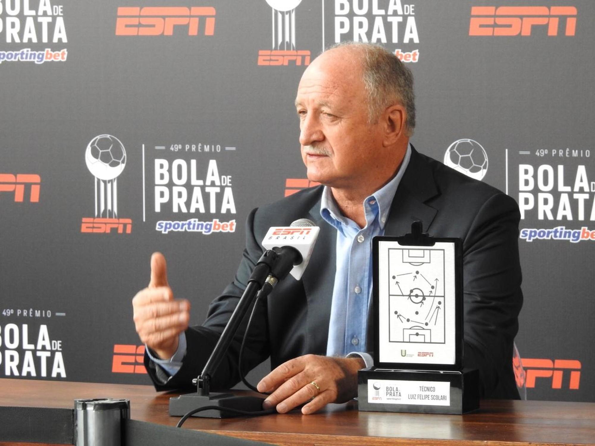 斯科拉里:确实收到了哥伦比亚队的邀约,但得仔细考虑