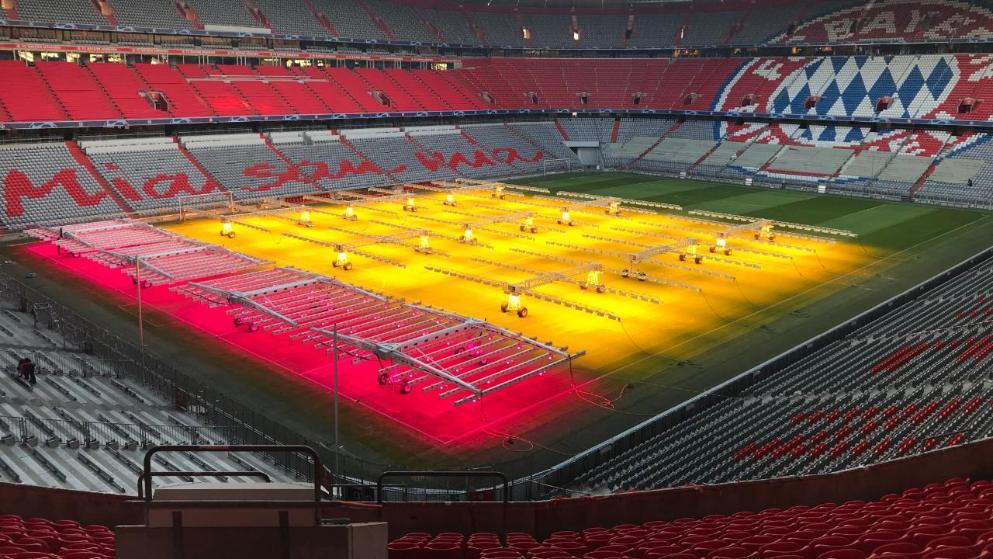草皮质量不佳?图片报:拜仁使用红外线光改善草皮