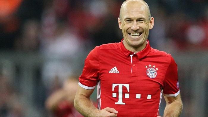 罗本;相信拜仁本赛季还能成功,6分的差距能追上