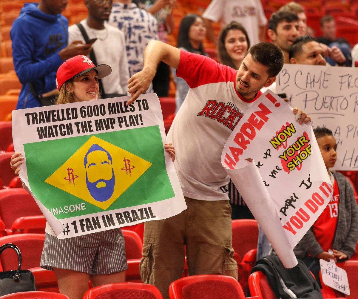 头号迷妹!巴西女球迷不远万里声援哈登