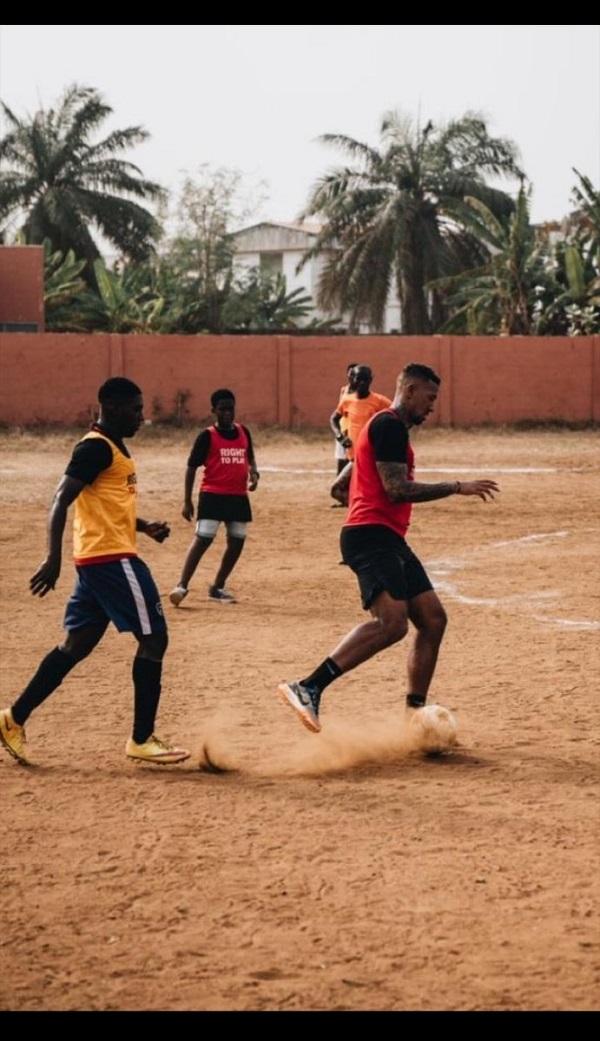 nba最新新闻 多图流:博阿滕在加纳享受假期