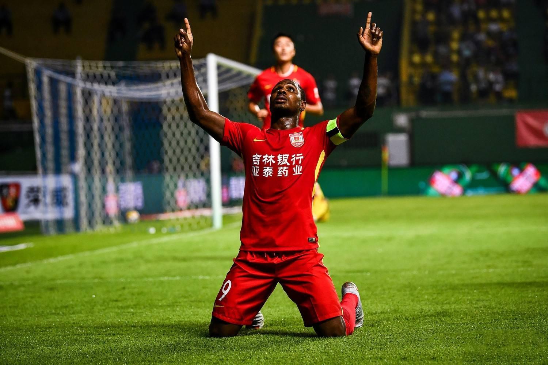 外媒:四支中超队有意亚泰前锋伊哈洛,申花暂时领先