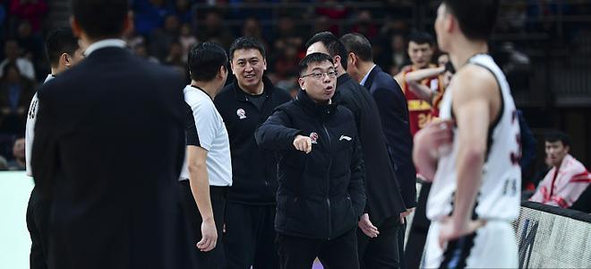浙江男篮总经理方俊被停赛2场罚款10万