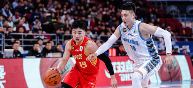 CBA:深圳管理人员与竞赛巡视员接触并不违规
