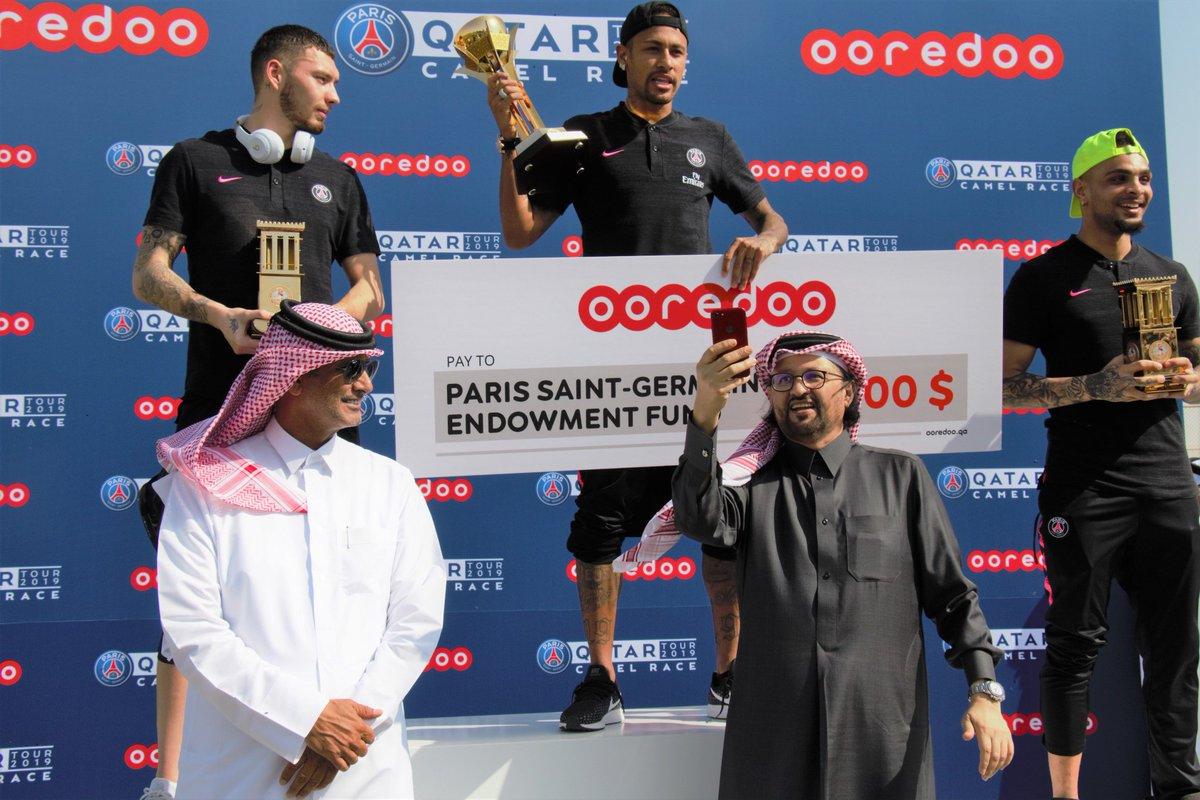 入乡随俗!巴黎全队参加卡塔尔骆驼赛,内马尔图赫尔获胜