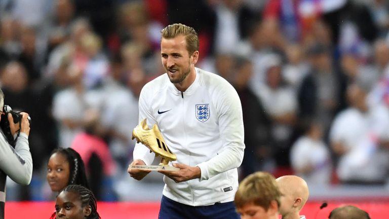 官方:凯恩再度当选年度最佳英格兰男子运动员