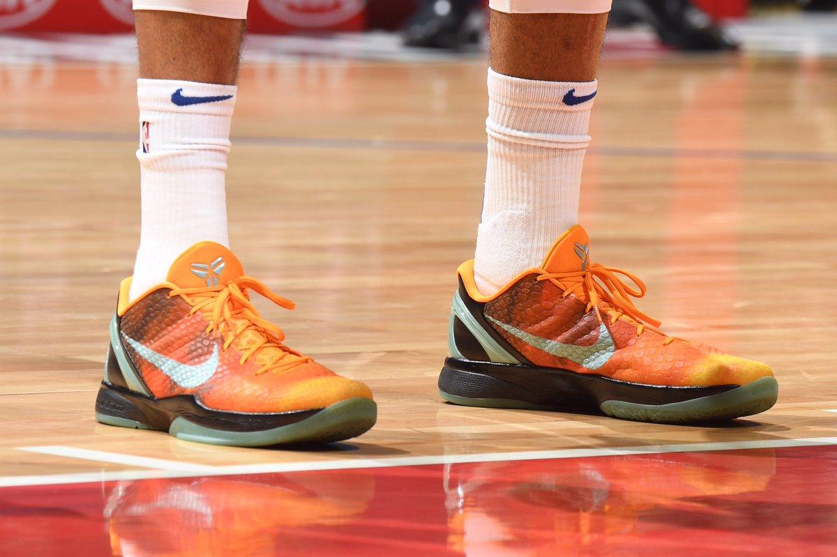 今日常规赛上脚球鞋一览:哈里斯上脚Kobe 6