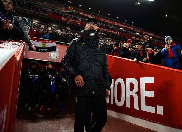 内维尔:利物浦时刻都面对争冠压力,缺经验是他们的不足