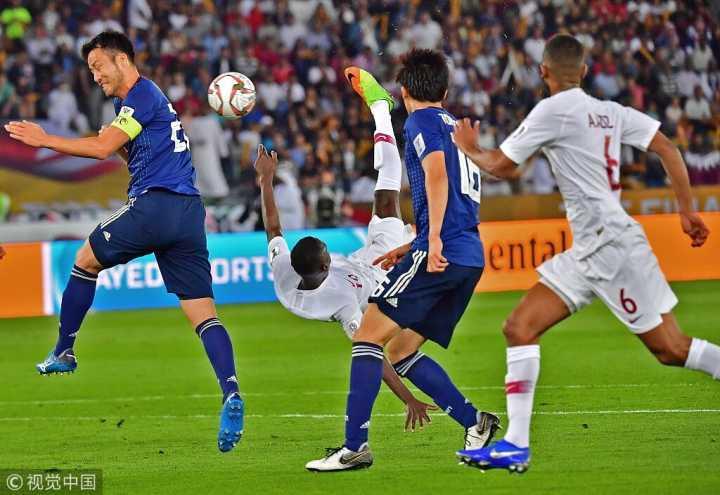 独中9球!阿尔莫兹超越阿里-代伊成亚洲杯单届金靴