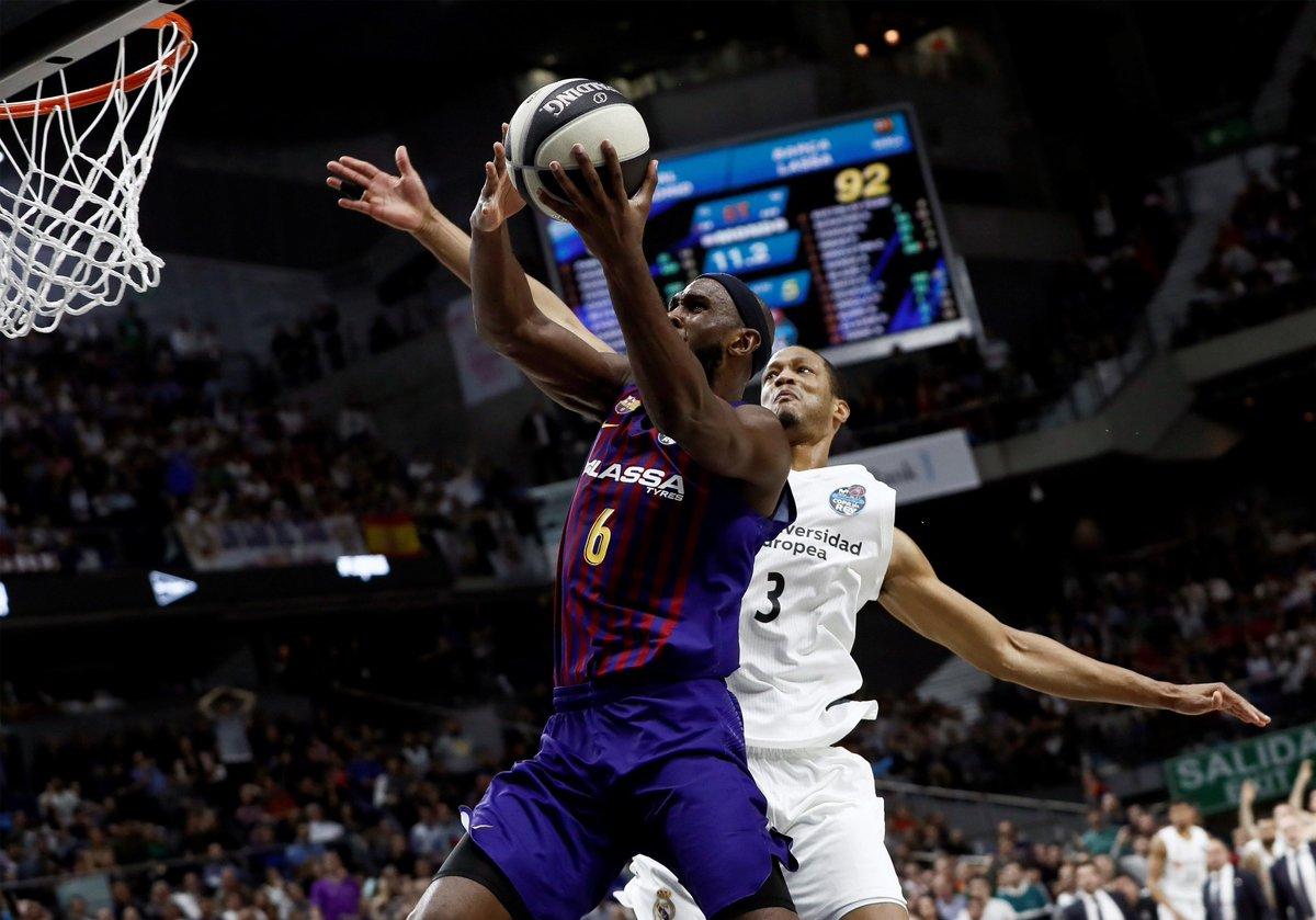 篮球国家德比最后10秒连续争议判罚,皇马93-94巴萨出局