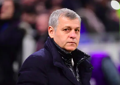 里昂主帅:对阵曼城和巴黎的比赛给我们信心