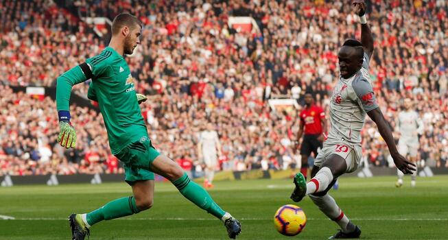 红魔半场伤三人菲尔米诺同伤退,曼联0-0惨平利物浦