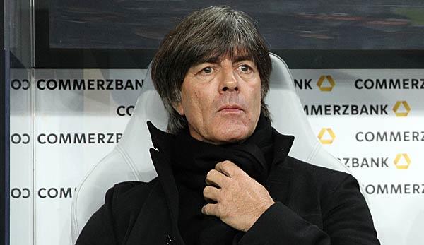 也谈尊重!勒夫:德甲球员们没起到楷模作用