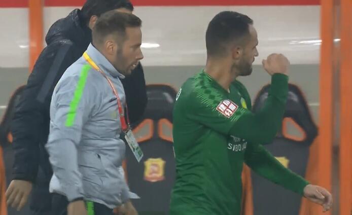 GIF:终于进了!奥古斯托任意球破门,国安1-0卓尔