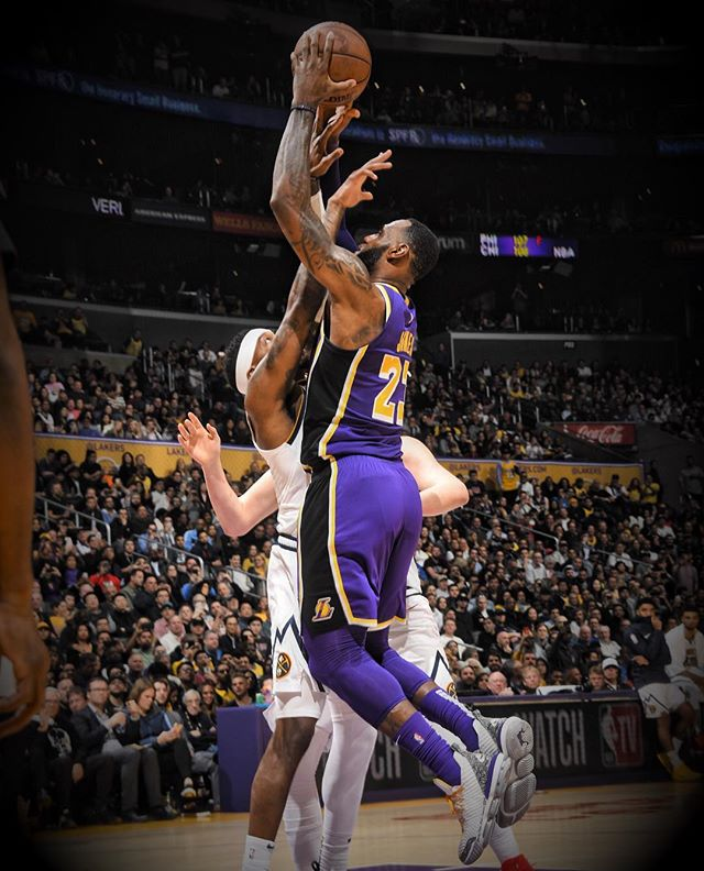 NBA官方细数詹姆斯各个得分里程碑的达成时间