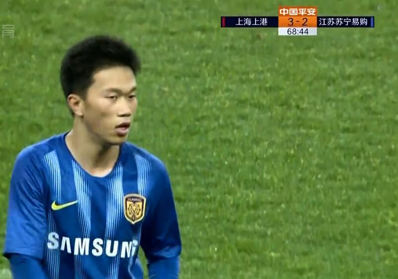 GIF:梅开二度!谢鹏飞单刀破门,上港3-2苏宁